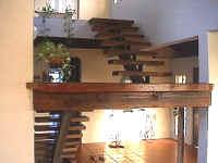 stairsfoyer01.JPG (87784 bytes)